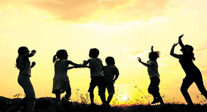 बचा रहे बचपन का रस
